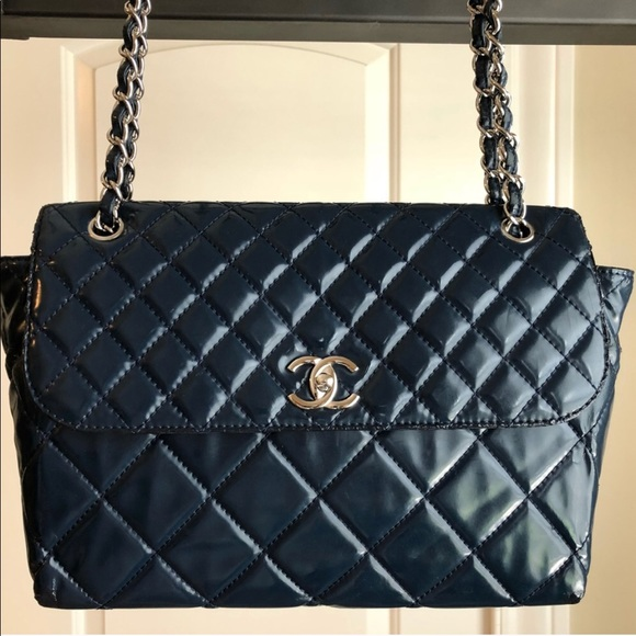078d0395b8e7fb CHANEL Bags | Bag With Peeling All Around Bag | Poshmark